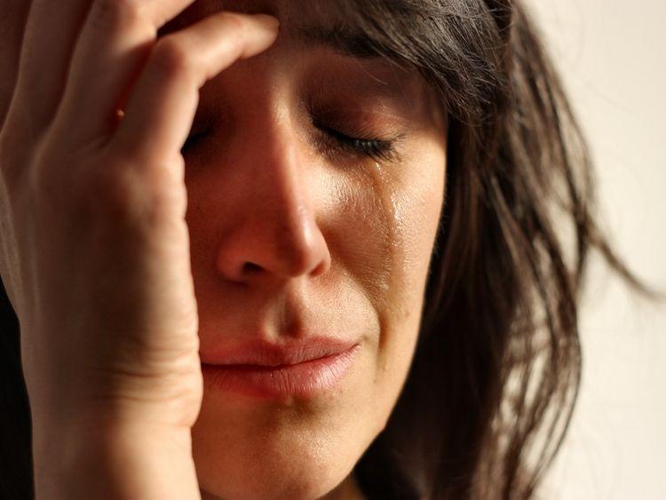 Детские слезы взрослой женщины.